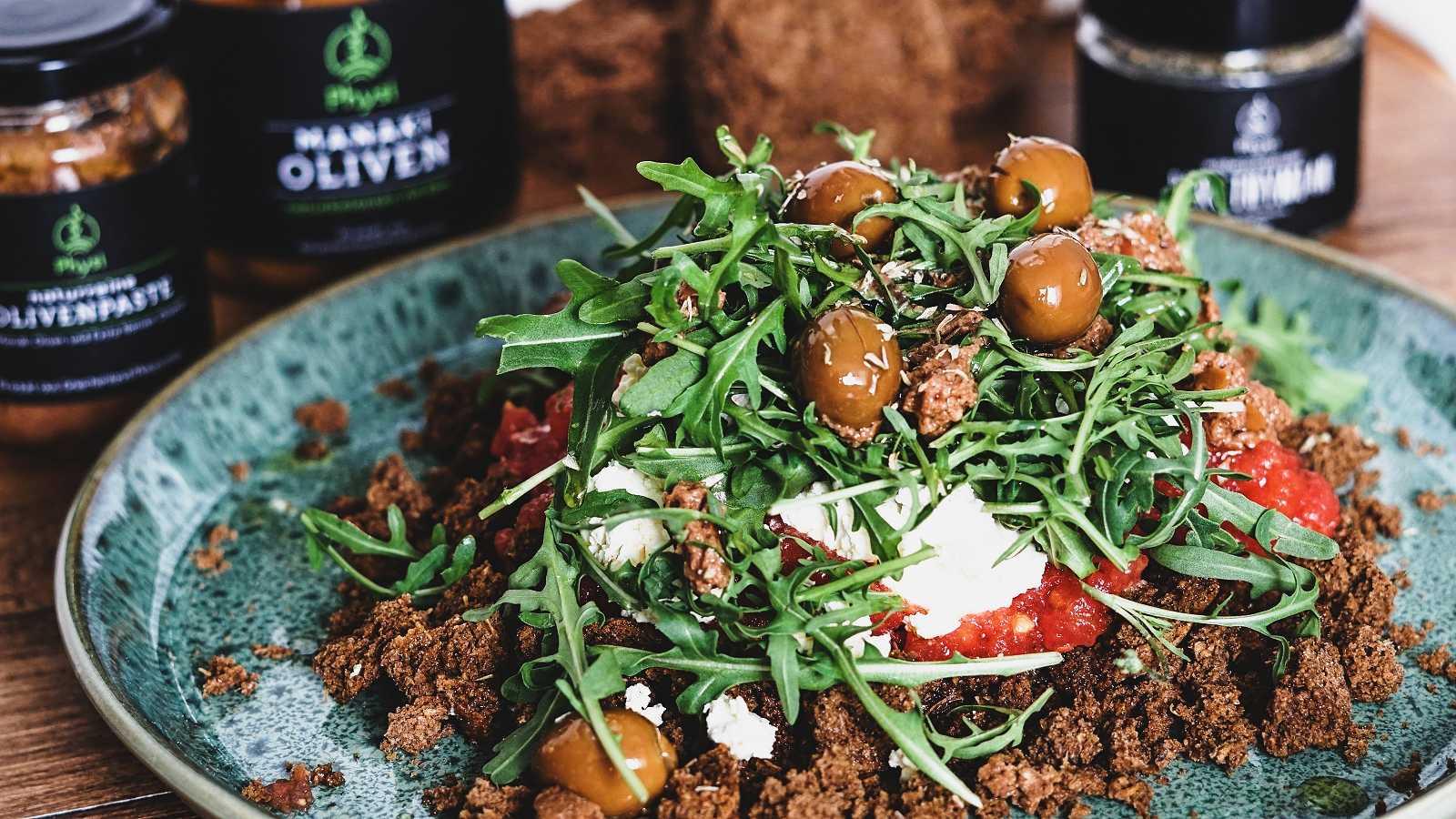 Dakos Salat mit Zwieback